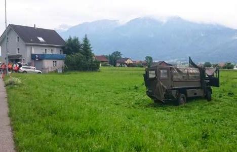 journalismus-militaer-unfallauto-1