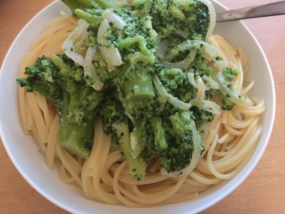 foodporn-pasta-brokkoli-sauce